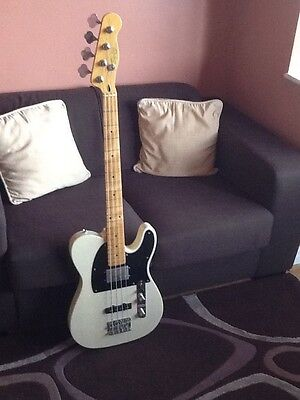 Squier Vintage Modified Telecaster Bass Special Guitar