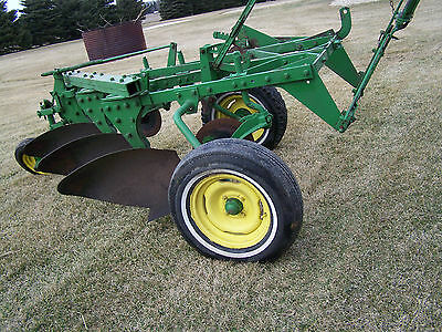 John Deere Plow 555 H Three Bottom