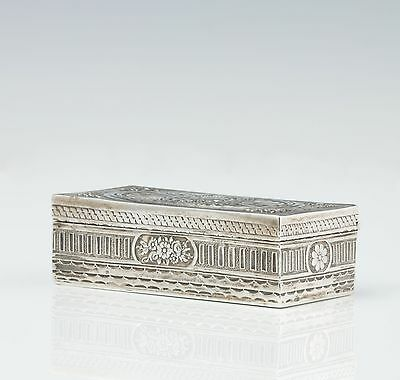 fine classical Snuffbox around 1850 Silver with Beard brush and Mirror snuff