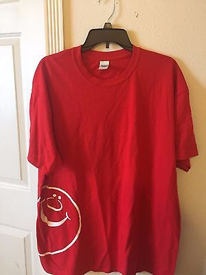 New Men's Guildan Heavy Duty Cotton Smiley Face Tee Shirt Red Size XL