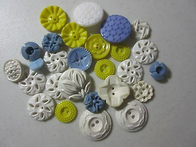 Vintage Lot Of Fancy Plastic Housedress Buttons Peirced And Flowers