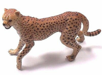 "Papo Figure Cheetah Wild Cat Zoo Animal 2005 About 4"" Long 2.5"" High"