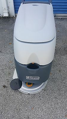 """Automatic Floor Scrubber Advance 20"""" MODEL SC450 FOR BEST PRICE !"""
