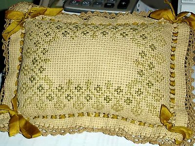 ANTIQUE/VINTAGE VICTORIAN PIN CUSHION*BEAUTIFUL CONDITION-9x7in.