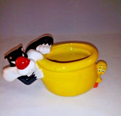 Warner Brothers Looney Tunes Sylvester and Tweety Bird Candy Bowl or Planter