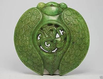China Handwork Carve Old Green Jade Dragon Statue Pendant