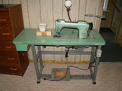 Consew  Industrial Sewing Machine Model 210 Nice Heavy Duty Machine.