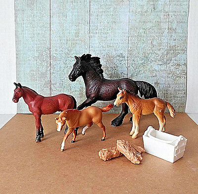 Horse Toy Lot Schleich Breyer Reeves Mixed Lot of 4 Horses & 3 Hay Bales