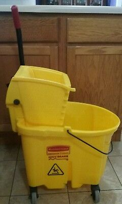 Rubbermaid Wave Brake Yellow 27.2 Quart Commercial Mop Bucket# 90-7680-A1