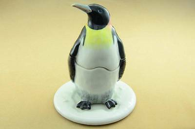 NEW  PENGUIN SALT & PEPPER WITH TRAY SO NICE IN THE GREAT PRICE *Mint*