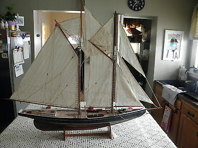 Bluenose Model Ship,mint And Old-----Look-----