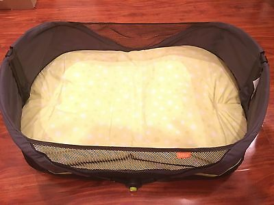 Brica Fold 'N Go Travel Baby Bassinet Infant Portable Sleeper Bed Crib Park