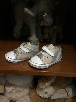 baby burberry Shoes Size 21