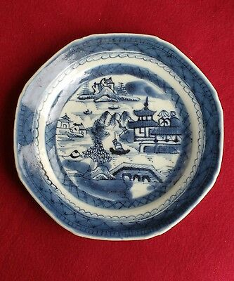 Antique Chinese export octagonal plate blue and white porcelain Willow type