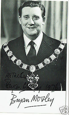 Bryan Mosley Actor Coronation Street  Hand Signed Vintage Photograph 6 x 3