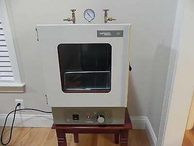 VWR 1400E Bench Top Vacuum Oven, fully operational, tested.