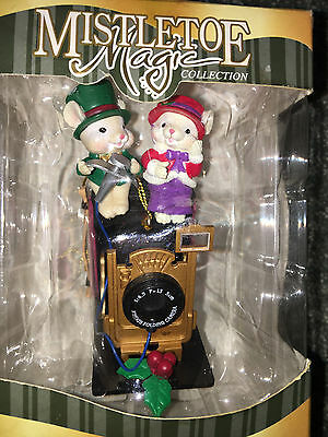 MICE COUPLE FOLDING CAMERA Mistletoe Magic Collection CHRISTMAS ORNAMENT Trevco