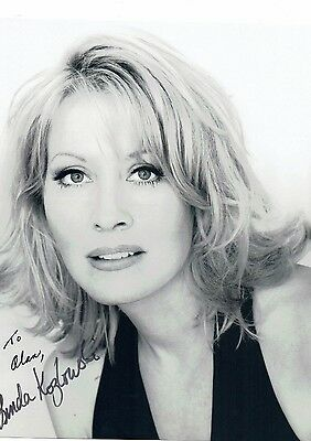 Linda Kozlowski Actress Crocodile Dundee Hand signed Photograph 10 x 8