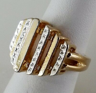 Vtg Gold Tone Ladies Cocktail Ring Size 5.5 Silver Tone Accents