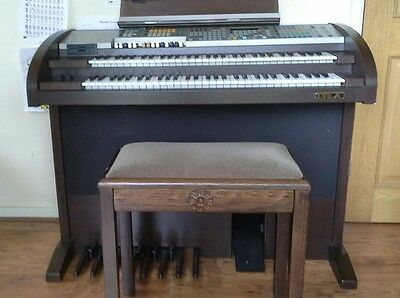 ORLA GT8000 ELECTRIC ORGAN  (Home use only)EXCELLENT PLUS CONDITION + Extras
