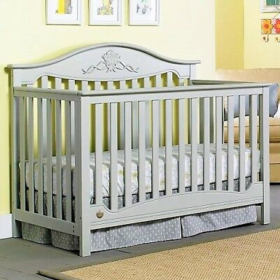 NEW Fisher-Price Mia 4-in-1 Conv Crib in Misty Grey (Imperfection) LOCAL P/U