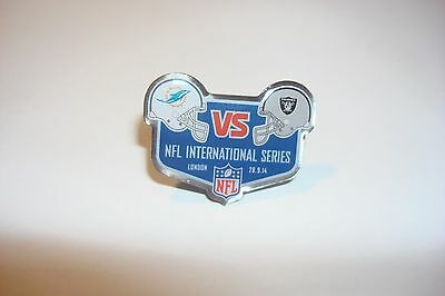 NFL International series wembley London MIAMI DOLPHINS   RAIDERS  2014 Pin badge
