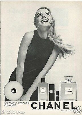 1968 CHANEL No 5 Cologne Perfume Powder Swinging 60s Blond Lady Vintage Print Ad