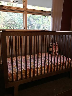 Oeuf Sparrow Crib-Birch or Walnut-Gently Used