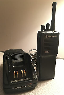 Motorola MTS2000 Model I UHF 450-512 MHz Radio Battery Charger GMRS H01SDD9PW1BN