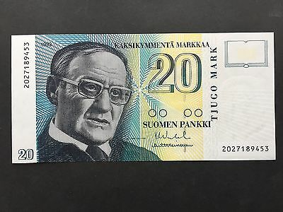 Finland 20 Markkaa P122 Serial 2027189453 Dated 1993 Uncirculated UNC