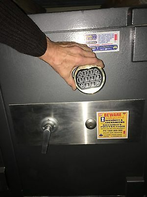 Professional quality security fire & valuables safe for serious protection .