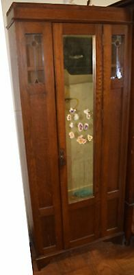 Antique armoire, 1 door
