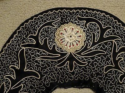 Fabulous Vintage Embroidered Black and Cream Collar