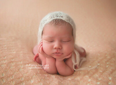Hand Knitted Baby Stretch Mohair Bonnet Photography/Photo Prop Newborn-3m Unisex