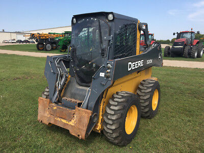 2013 John Deere 320E Skid Steer Loader