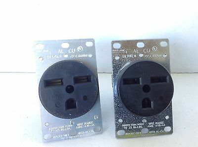 NEW lot of 2 Leviton 5372 30A, 250V 2-POLE, 3-WIRE GROUNDIND OUTLET FREE SHIP