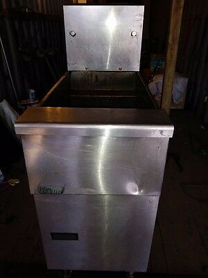 """PITCO FRIALATOR COMMERCIAL (NSF) 4 BURNERS NATURAL GAS 45-50lbs DEEP FAT FRYER"