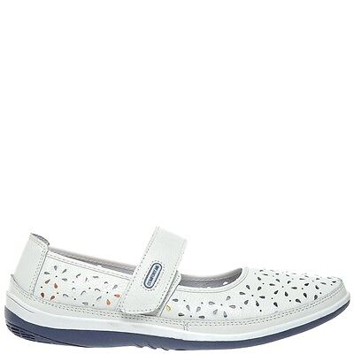 Comfort Me Beeds Womens Leather Everyday Shoe - White