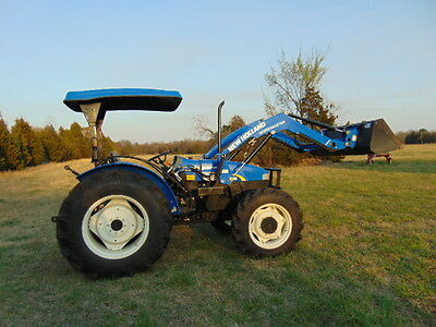 2014 NEW HOLLAND WORKMASTER 65 TRACTOR 4X4 200 Hours Front end loader  NICE