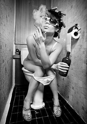 GIRL ON THE TOILET SMOKING & DRINKING POSTER Wall Art Photo Print A3 A4