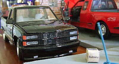 Superb 1994 Chevrolet 454 SS pick up  + Trailer diecast car 1/24 Collect.