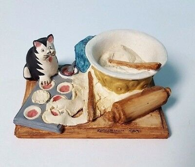 Cutest little Miniature Cat with Cookie Pies Rolling Pin Gourmet Cat Signed '87