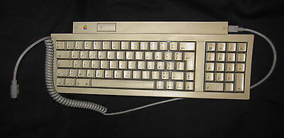 Clavier Mo487 + Cable Apple Macintosh Vintage