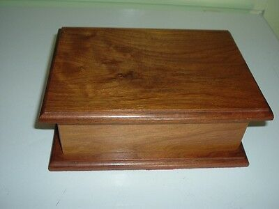 Vintage Wood Lined Dresser Box - Jewelry Etc Very Nice Condition