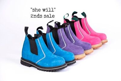 she wear Steel Cap Safety Work Boots Women Ladies Sale Factory 2nds Seconds
