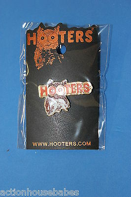 Hooters Restaurant Collectable Enamel Owl Hootie Lapel Pin