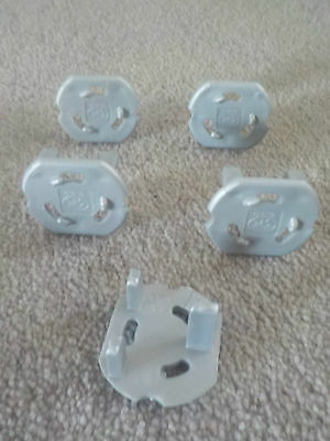 5 Silver/Grey Power Socket Safety Plugs