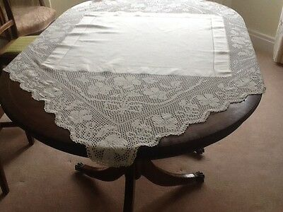 antique White Linen Tablecloth with Lace edging