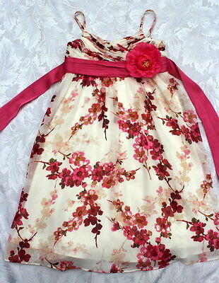 Fabulous Cream floral dress from Monsoon. Age 5-6 years