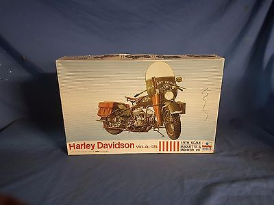 Esci 1/9 WWII US Army WLA-45 Military Motorcycle Modelling Kit 7002 Model